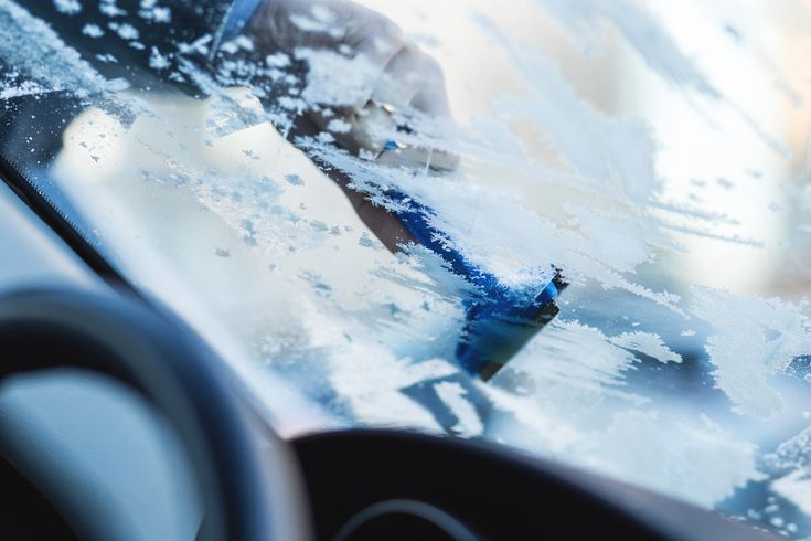 https://flic.kr/p/PQUPeK | Removing frost from car windshield | Get more free photos on freestocks.org