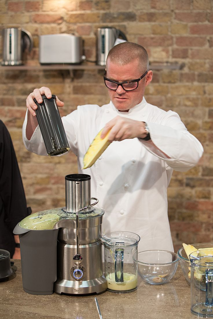 Heston demonstrates the Nutri Juicer™