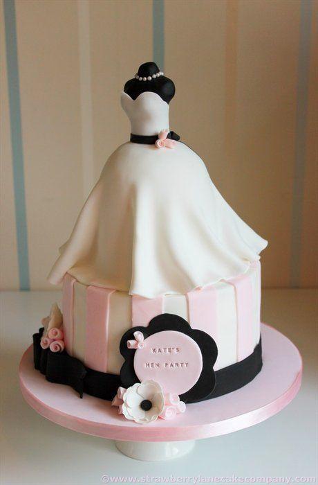Una tarta para una despedida de soltera con mucha clase...