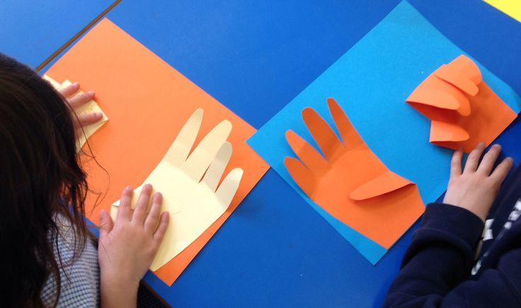 We have been learning our number bonds to 10 ... the children enjoyed using the 10 fingers to work some out!LH