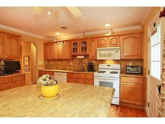 Ideas For Kitchens With Oak Cabinets White Appliances Remodel And on