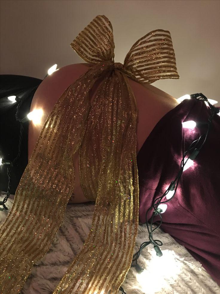 Christmas pregnancy photo