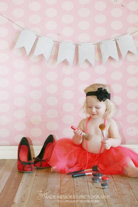 Kaylee | 2nd Birthday Cake Smash Fun » Taylor Made Memories Photography SO CUTE! (: