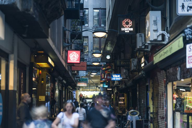 Schedule a lazy afternoon people-watching in the quintessential Melbourne laneway. 🌇 Centre Place is a short walk from the hotel. Drink coffee, admire street and stencil art, and watch the world go by ☕