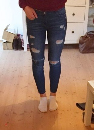 Kaufe meinen Artikel bei #Kleiderkreisel http://www.kleiderkreisel.de/damenmode/jeans/124135362-topshop-moto-jeans-destroyed