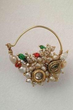 Pearls and kundan nath