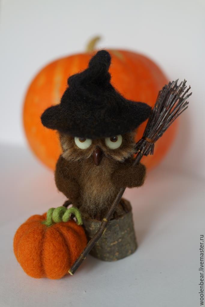 Купить Сова-ведьмочка. Хеллоуин - Хэллоуин, сова из шерсти, игрушка, сова, ведьма, тыква, коричневый