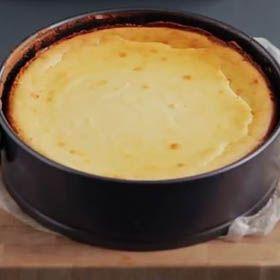 Baked vanilla cheese cake
