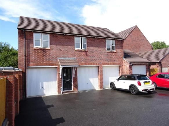2 bedroom apartment for sale - Usbourne Way, Ibstock, Leicestershire Full description           ** A MODERN COACH HOUSE STYLE APARTMENT SITUATED IN A POPULAR RESIDENTIAL NEIGHBOURHOOD ON THE OUTSKIRTS OF THE VILLAGE. BENEFITTING FROM UPVC DOUBLE GLAZING AND GAS CENTRAL HEATING. ** EPC RATING C. The property offers great contemporary and low maintenance living... #coalville #property https://coalville.mylocalproperties.co.uk/property/2-bedroom-apartment-for-sale-usbourne-wa
