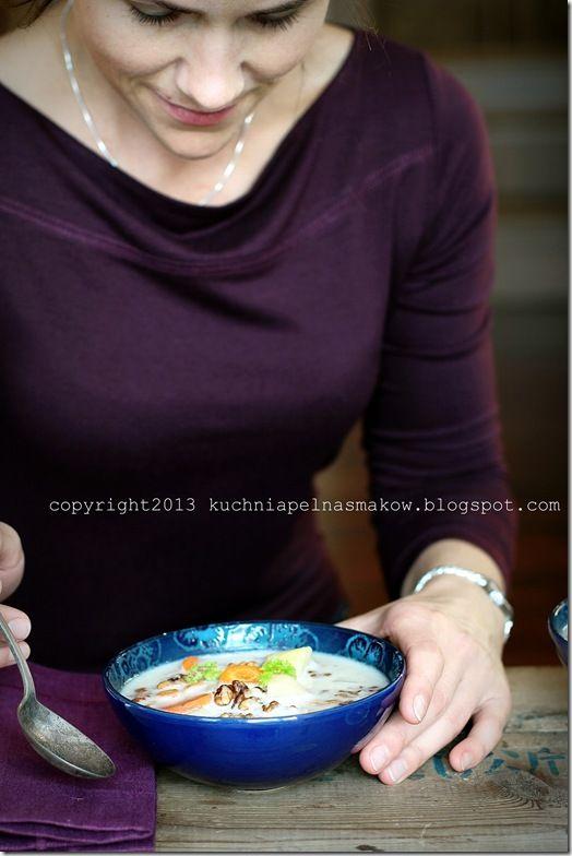zupa czosnkowa z orzechami włoskimi