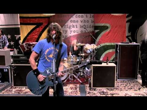 foo fighters wasting light live!