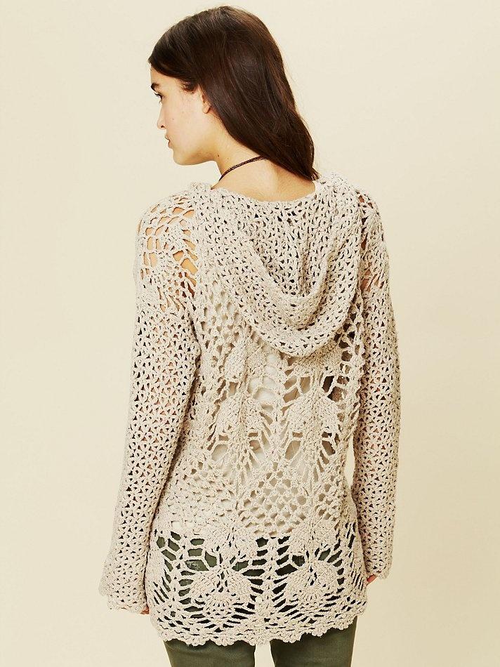 blusa de crochê com capuz