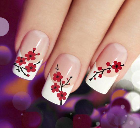 manicure con flores rojas #nails