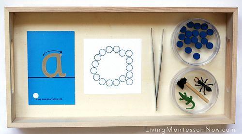 Montessori Monday - Montessori-Inspired Phonics Activities Using Dots {Free Printables}