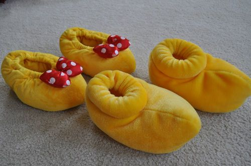 Mickey & Minnie Mouse Slippers!