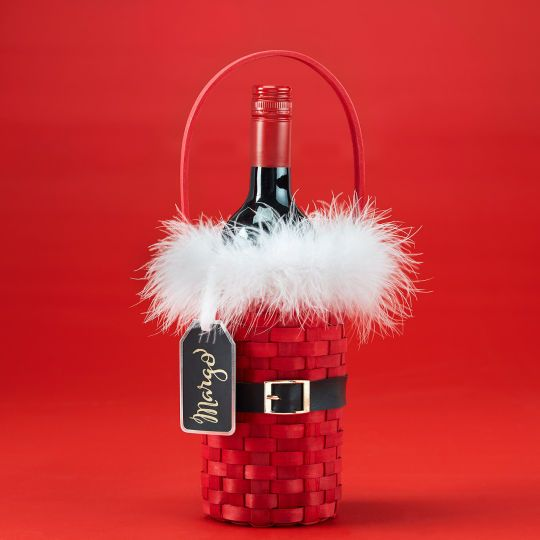 Craft a festive wine bottle holder and say cheers with the holiday hostess.