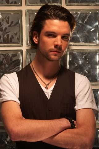 Sexy OR adorable. He should not be allowed to be both. (Andrew Lee Potts)
