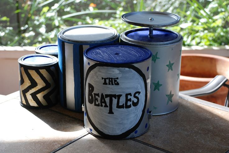 diy paint can drum set toy not this but a music set for christmas make the drums for anja. Black Bedroom Furniture Sets. Home Design Ideas