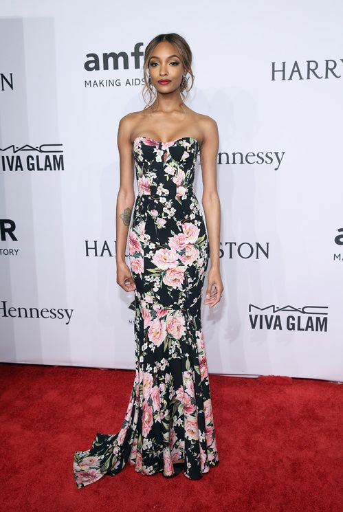 Jourdan Dunn à la soirée de l'amFAR à New York http://www.vogue.fr/mode/inspirations/diaporama/les-looks-de-la-semaine-fvrier-2016/25432#jourdan-dunn-la-soire-de-lamfar-new-york