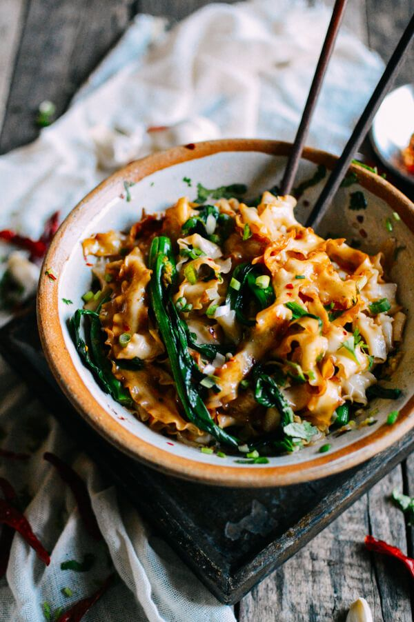 These 15-Minute Hot Oil Chinese Noodles are beyond easy to make. Here's the basic gist: You boil some noodles and veggies in the same pot, throw them in a bowl with some seasonings...