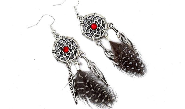 Boucles d'oreilles dreamcatcher strass rouge plumes noires et blanches, bijoux ethniques, : Boucles d'oreille par ethnic-feather