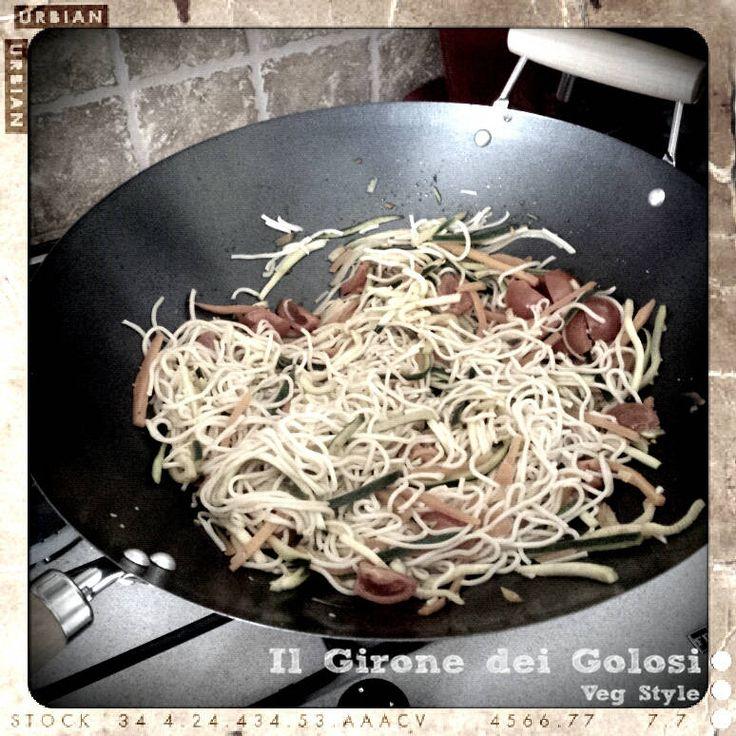 Noodle saltati nel wok
