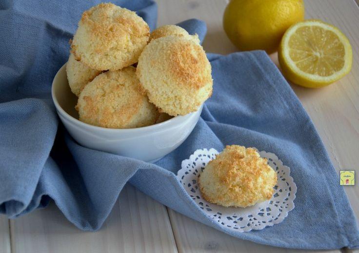 I pasticcini cocco e limone sono dei deliziosi pasticcini facili e veloci da preparare, perfetti per il fine pasto o per una golosa pausa