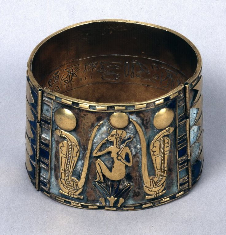Bracelets, Lapis Lazuli and gold, 940 BCE, 22nd Dynasty Ancient Egypt Lapis lazuli was exceedingly precious ... Do you know where it was sourced from?