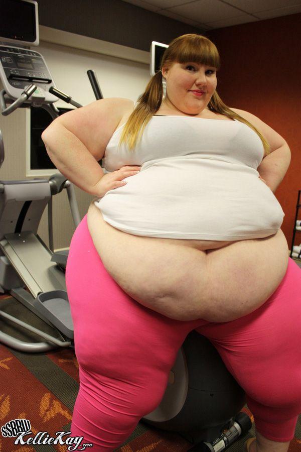 Смотреть фото толстых и очень толстых животов, порно онлайн двое трахают жену