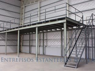 Entrepiso simple con Escalera. Consultas y Pedidos a estanteriasyracks@gmail.com