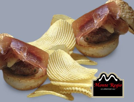 Mini hamburguesas con jamón serrano #MonteRegio ¡no hay quien se resista!