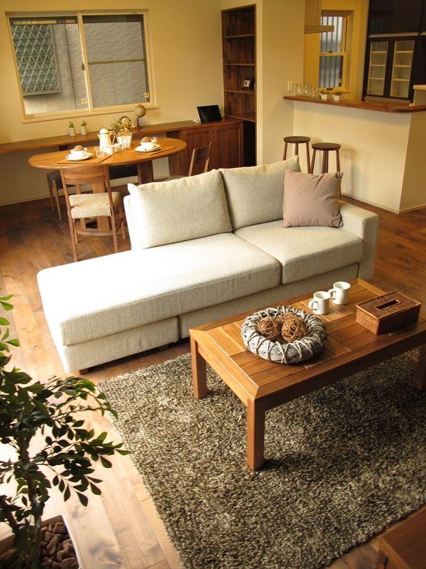 半円形のテーブルを有効に活用したLD空間