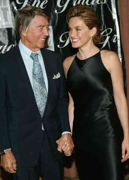 1000 images about stars with their siblings or parents on for Mariska hargitay mother and father