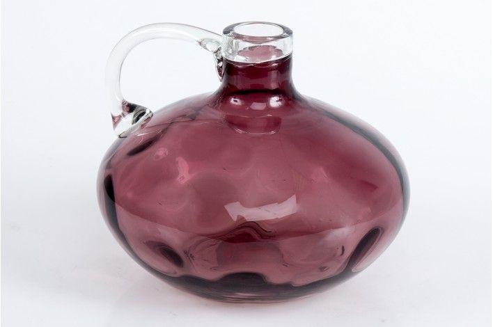 Botella de vidrio en color tinto. ¿Dónde la vas a colocar? Medidas: 20,5x20,5x17,5 cm | #IdeasParaDecorar #Merkamueble