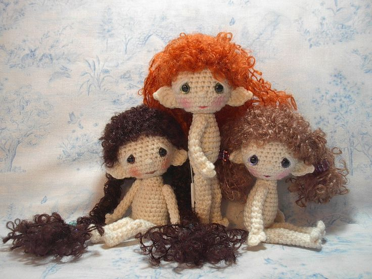 https://flic.kr/p/8VDobU | HobbitPocketSpirits | Pocket Spirits as Hobbit children :-)  After I wigged the first one with mohair boucle yarn, I had to do all three with the same type of yarn, and sweet little Hobbits they became.  Meet Rose Fernbrake, Ivy Heathertoes, and Violet Willowdown.  Pattern for the doll is available free on my blog at:  www.byhookbyhand.blogspot.com