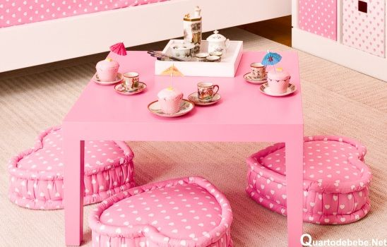 Quarto feminino rosa tema bonecas kokeshi pink bedroom for Decoration chambre kokeshi