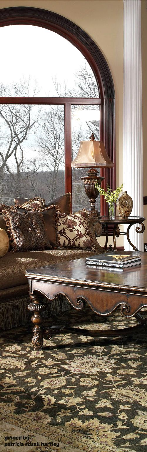 LUXURY MANSIONS...❤ Gorgeous Tuscan coffee table and accessories