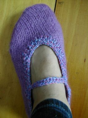 Recycled Sweater Slippers Tutorial by Cal Patch: Slippers Shoes, Sweater Slippers, Sewing Repurposed, Sewing Things, Slippers Pattern, Pattern Sewing