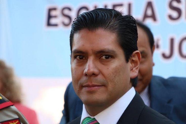 La formalización de las Zona Económica de Lázaro Cárdenas representa la oportunidad esperada para que Michoacán haga frente a problemas sociales y económicos, recalcó el coordinador del PVEM en el ...