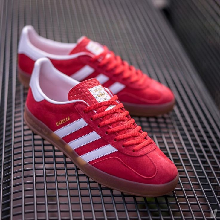 adidas indoor gazelle red