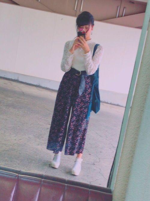 オータムフェスト行った時の😌😌😌 写真ぶれてるるる レーストップスの上にタンクトップ重ねてみた