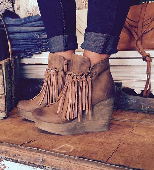 Best 20  Fringe Boots Outfit ideas on Pinterest | Fall clothes ...