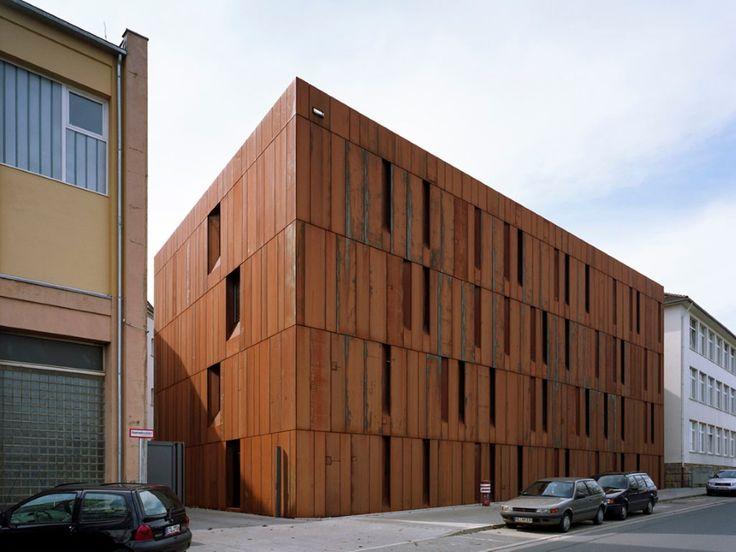 - Ржавый фасад здания - европейский и наш опыт.