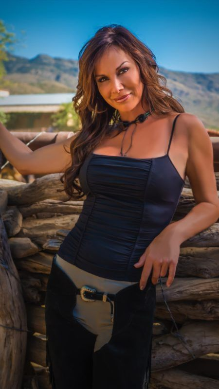 Debbe Dunning Now | Debbe Dunning, former Tool Time Girl talks about life, work and her new show - TheCelebrityCafe.com