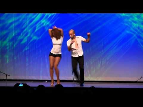Hamburg Salsa Congress 2011 ,Ataca La Alemana tanzen Bachata - YouTube. Intensely beautiful partnering!