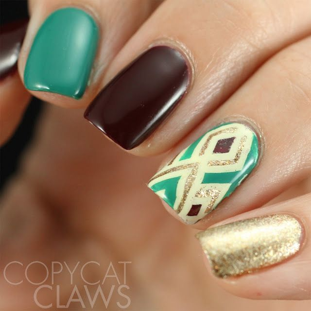 Copycat Claws: UberChic Beauty Christmas 02, Wild West 02, Mermaid Life, Collection 12 and UberSwatcher Review. These nails are simple yet so fun! The great western design on the accent nails ties it all together,. #UberChicBeauty #UberChic #nails #nailaddict #nailart #nailstamps #westernnails #wildwildwest