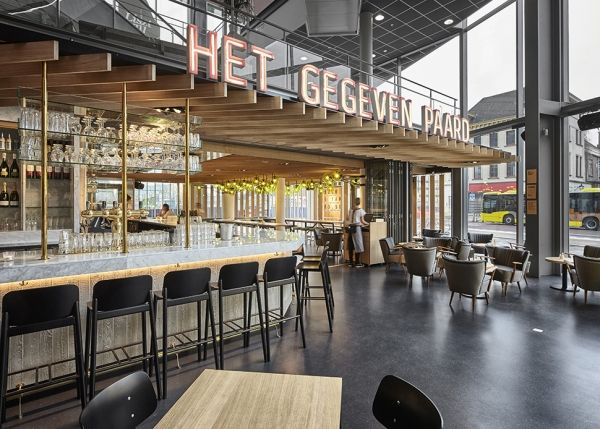 "Creneau International › Het Gegeven Paard, F&B Concept There's a new bar in town! Or, to be more specific: in Utrecht. It's called 'Het Gegeven Paard'. Translation: 'The Gift Horse'. The name is an unmistakable reference to the expression ""You don't look a gift horse in the mouth"" and a play on the core concept of the bar, which serves free food to the punters coming in for a drink. The idea was to create a bar that would appeal to a very broad audience and offer everyone who came in a ..."