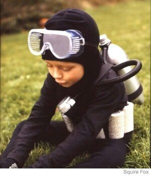 DIY Scuba Diver Costume. All black jogging suit, goggles, spray painted 2 liters,