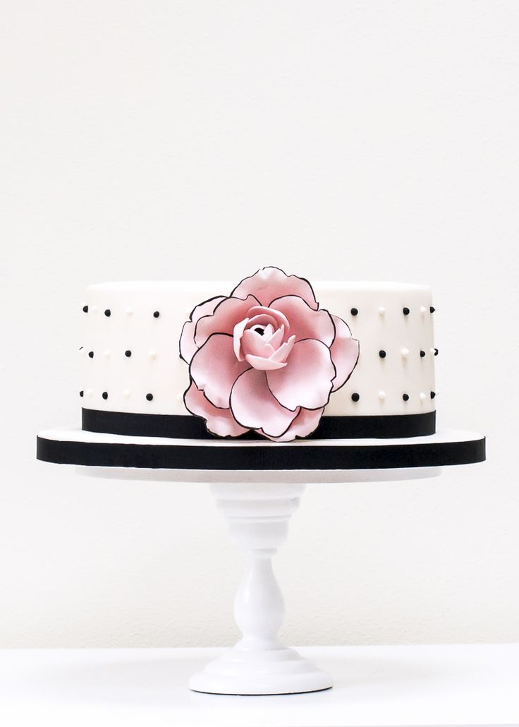 Camelia Celebration Cake from Rosalind Miller, London. Pure class!