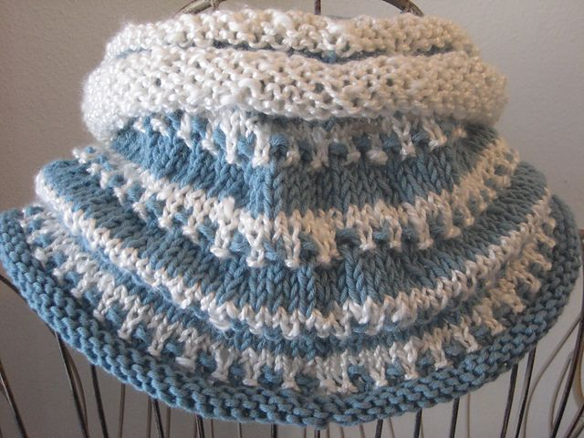 1000+ images about Knit cowls on Pinterest Cowl patterns, Cowl scarf and Ra...